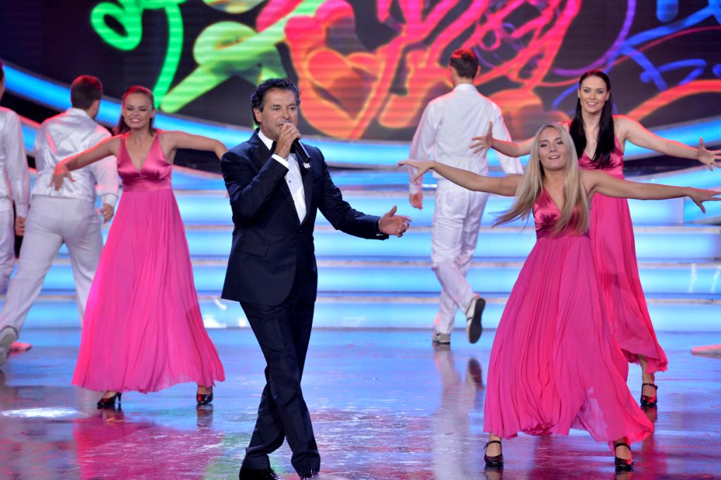 Lebanese singer Ragheb Alama performed two songs for the audience during the ceremony. Wael Hamzeh